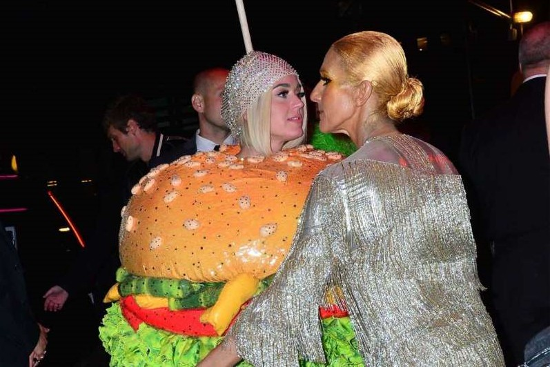 1557409051-celine-dion-and-katy-perry-the-kiss-that-makes-you-talk.jpeg